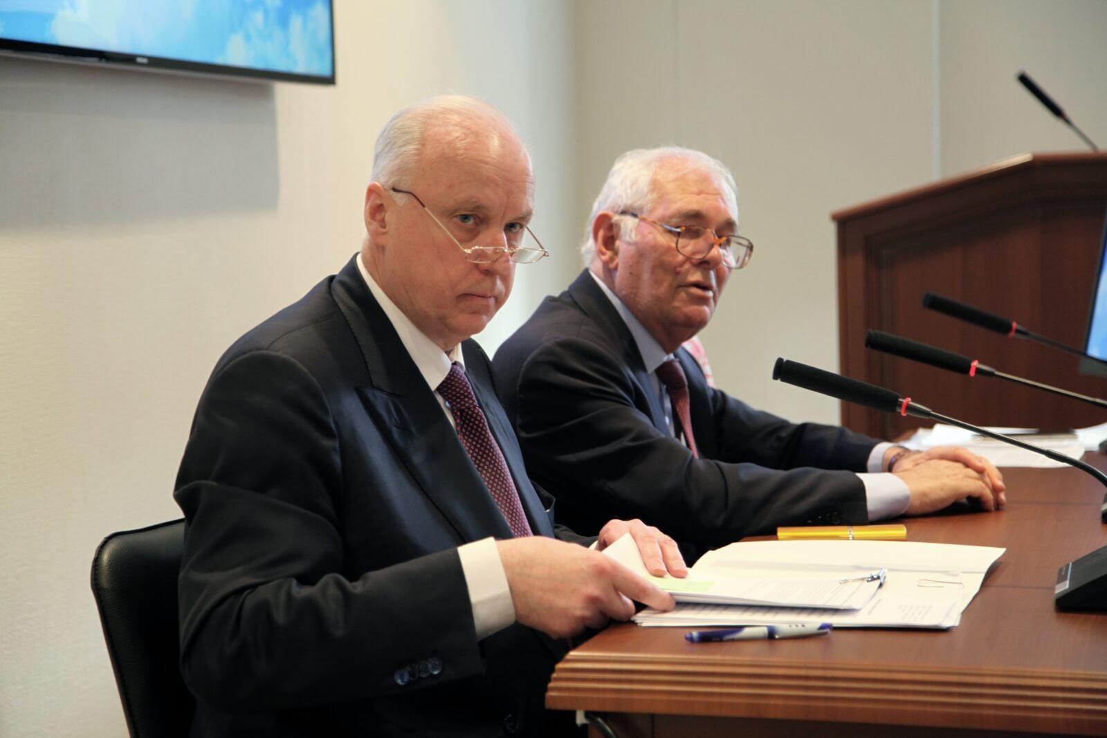 Глава Следственного комитета России Александр Бастрыкин и президент Нацмедпалаты Леонид Рошаль
