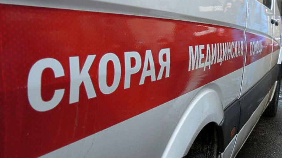 В Саратове при столкновении троллейбуса и «скорой» пострадал 17-летний пациент