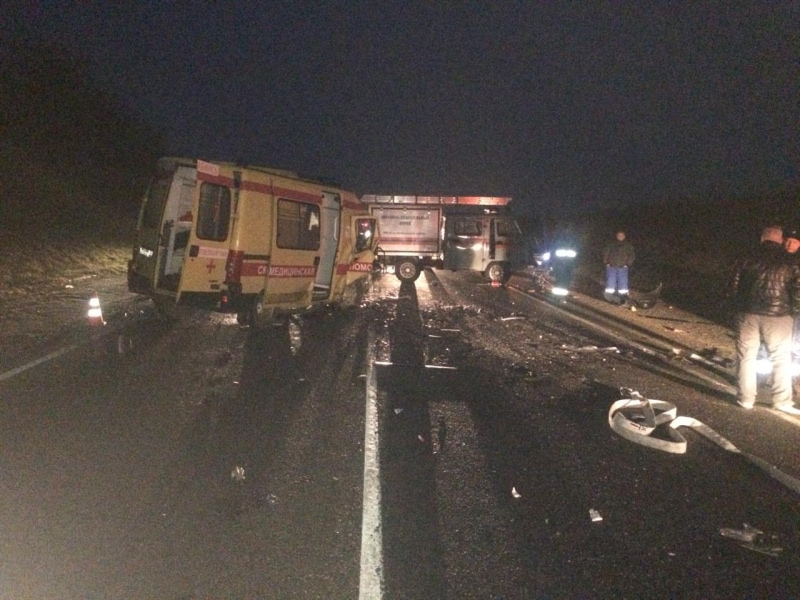 На Кубани в ДТП со «скорой» погибли шесть человек, четверо пострадали