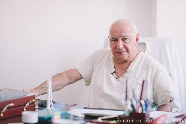 Один из ведущих мировых хирургов-онкологов, главный онколог «Медси», бывший директор РОНЦ им. Блохина Михаил Давыдов