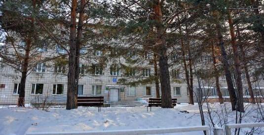 Красноярским медикам урезали зарплаты, не заметив на счету медучреждения 5,6 миллиона
