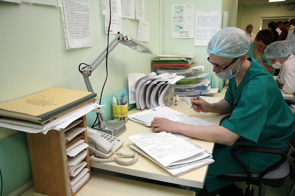 Заболеваемость гриппом и ОРВИ в России на 23% превысила эпидпорог