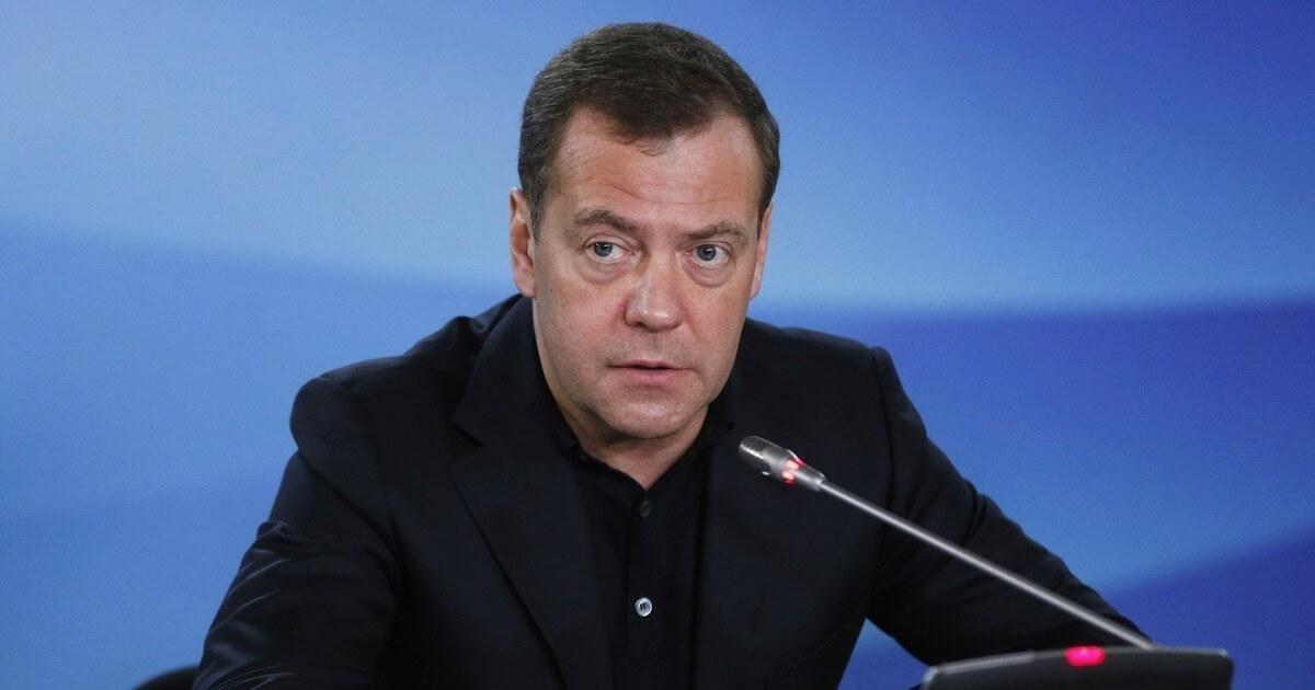 Медведев утвердил распределение финансов по регионам на льготные лекарства