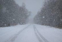 """В Волгоградской области """"скорая"""" не смогла доехать до пациента из-за снега"""