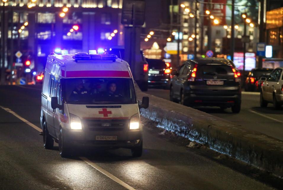 В Воронеже пациент избил палкой фельдшера и повредил машину «скорой»