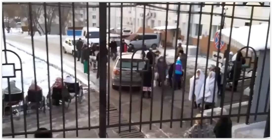 В шести больницах Иркутска провели эвакуацию из-за сообщений о минировании