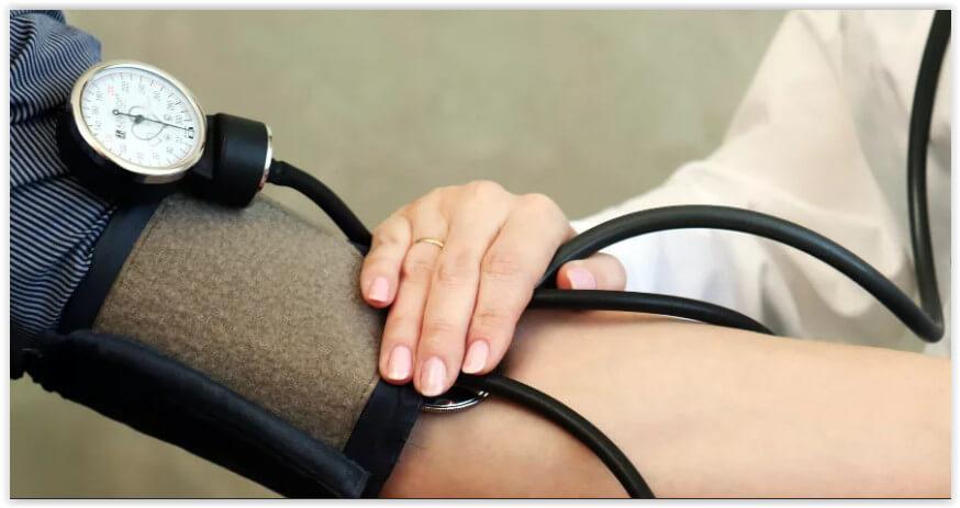 Карельским терапевтам хотят снижать стимулирующие за «излишнюю» смертность и вызовы «скорой» на их участке