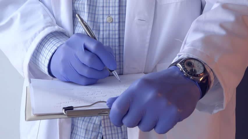 «Пациента мы вылечим наиболее подходящим для него способом, а деньги придется забирать через подлог»