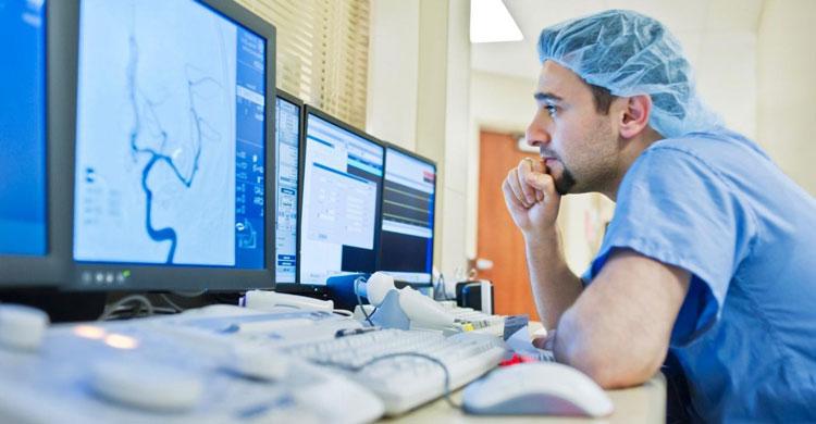В частном секторе телемедицина набирает обороты, а в системе ОМС представлена лишь пилотными проектами