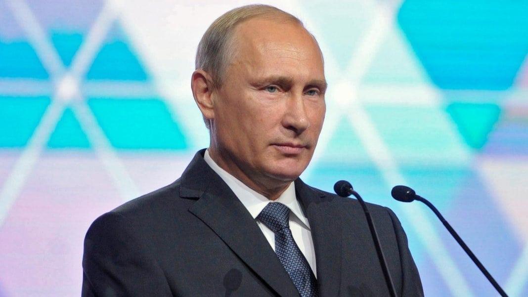 Путин заявил, что нужно двигаться к электронной торговле лекарствами