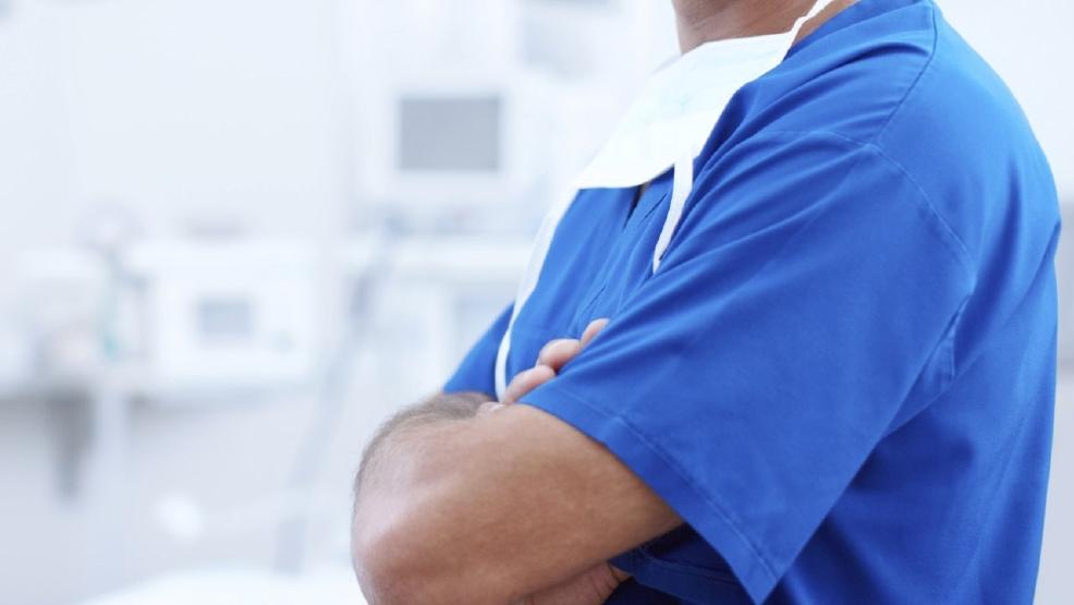 Омич избил травматолога, который пытался наложить ему на ногу гипс