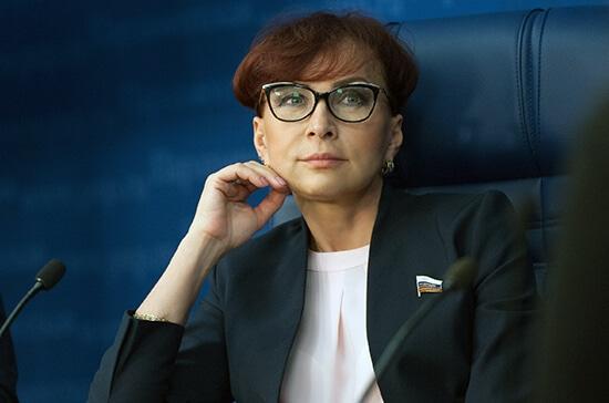 Член Совфеда по социальной политике Татьяна Кусайко - о пластике в ОМС
