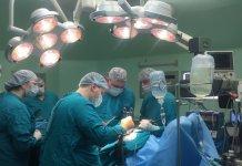 Тюменские хирурги удалили пациентке опухоль пищевода размером 15 см