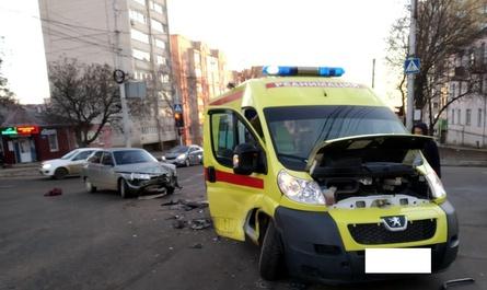 В Ставрополе в ДТП пострадала пациентка реанимобиля