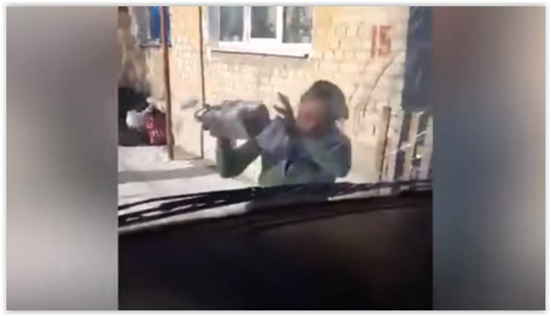 В Саратовской области сожительница пациента булыжниками разбила лобовое стекло «скорой»