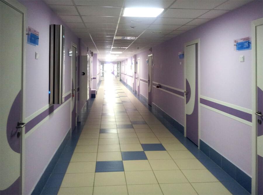Доцент: Ограничение платных медуслуг в госбольницах вытолкнет пациентов в частные