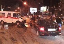 В Ростове из-за неработающего светофора произошло массовое ДТП со «скорой»