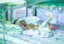 Неонатолог: В Москве выживают 92,6% недоношенных детей