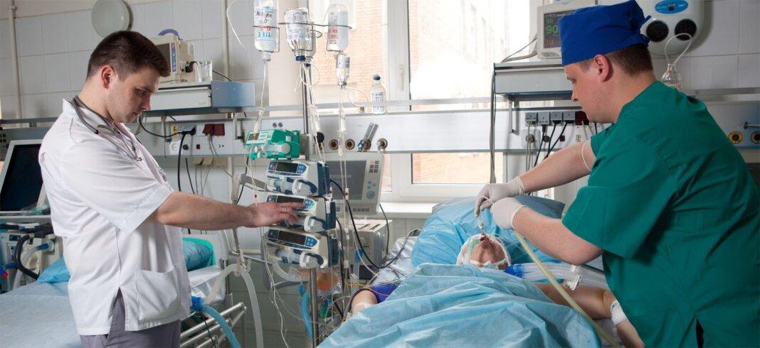 В Госдуме хотят разрешить посещение тяжело больных родственников в реанимации