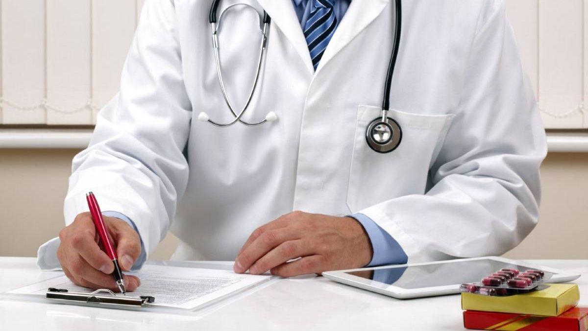 «Высокие зарплаты врачей – это колоссальные переработки, приводящие к снижению качества медпомощи»