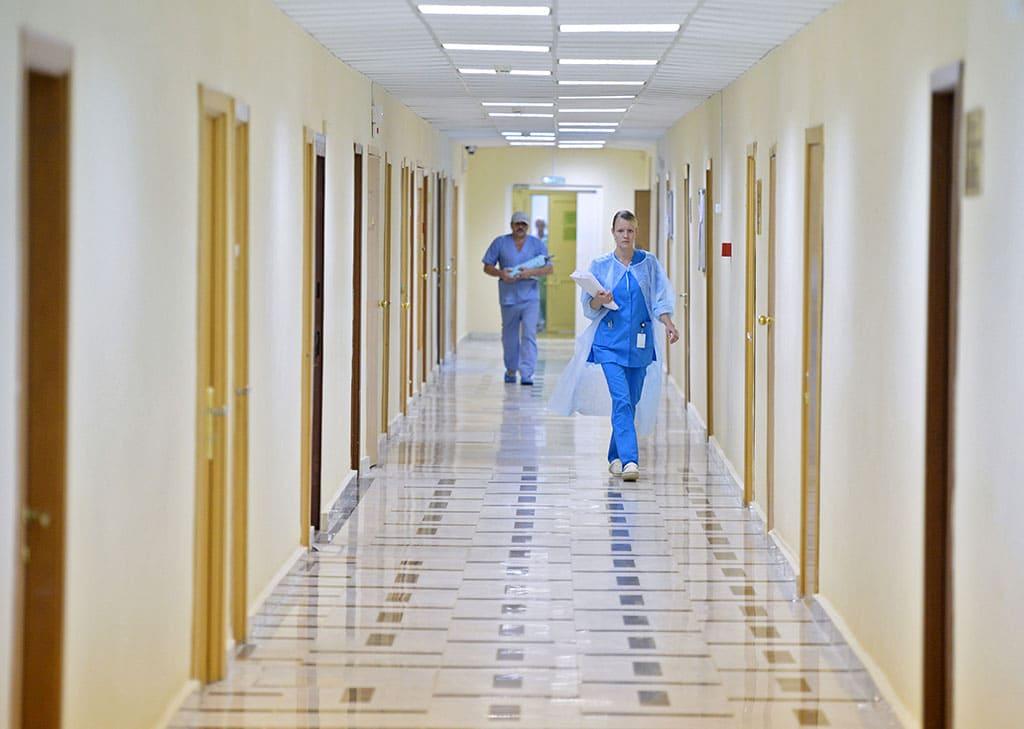 В трети российских больниц зарплаты медиков оказались ниже средних по регионам