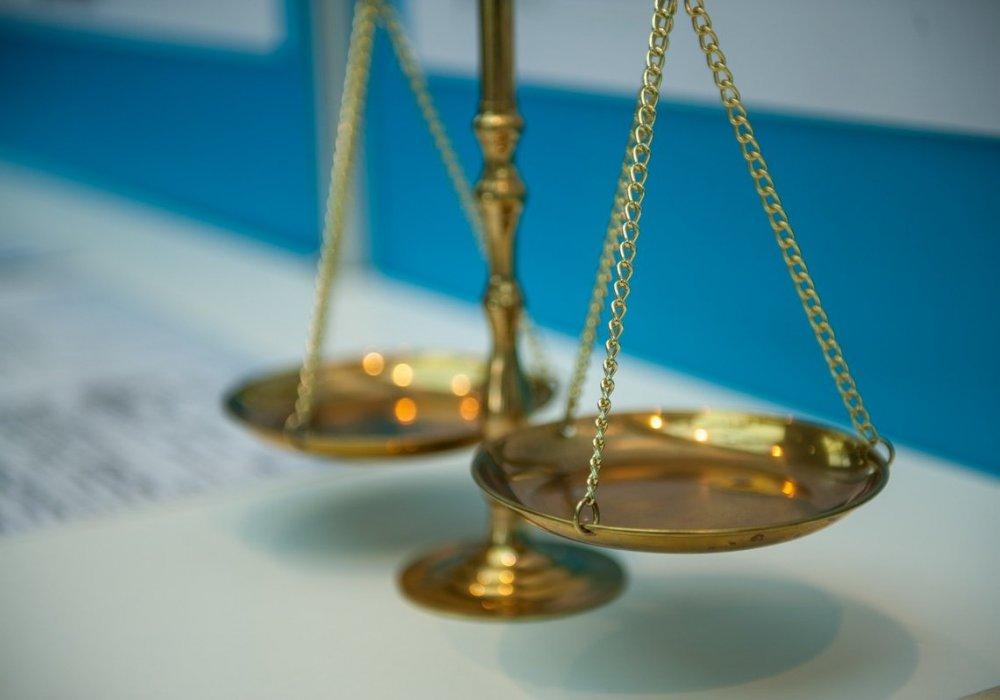 Севастопольский главврач «скорой» получил условный срок за незаконное повышение своей зарплаты