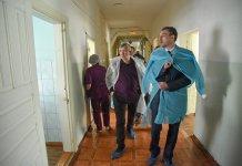 Амурский губернатор заявил о снижении зарплат врачей