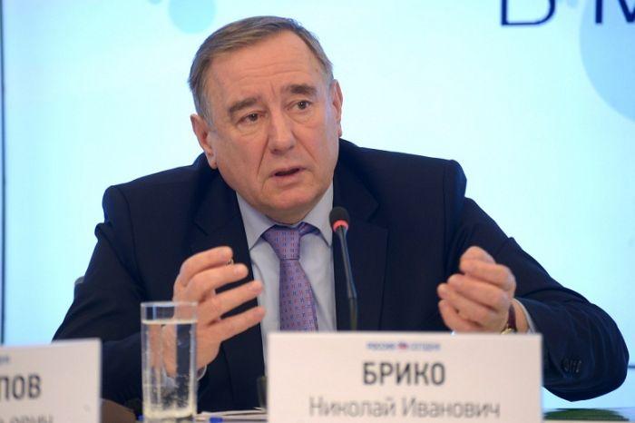 Главный эпидемиолог РФ призвал приравнять необоснованный отвод от прививок к неоказанию медпомощи