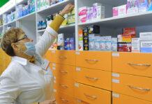 Госдума планирует поручить врачам и фармацевтам доставку купленных онлайн лекарств