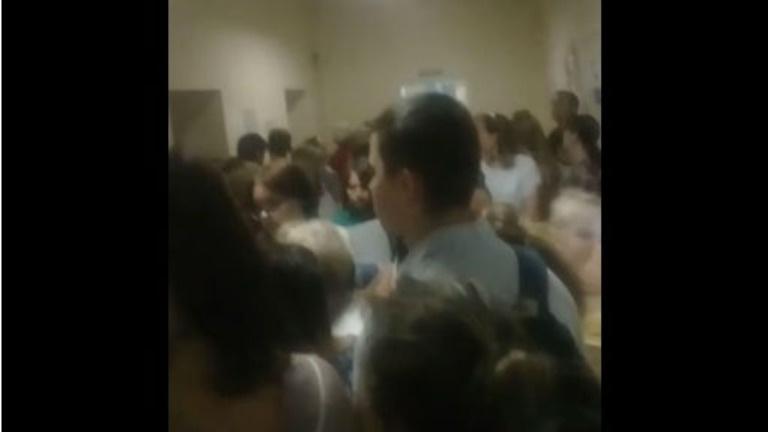 В Липецкой детской поликлинике произошла давка из-за нехватки врачей