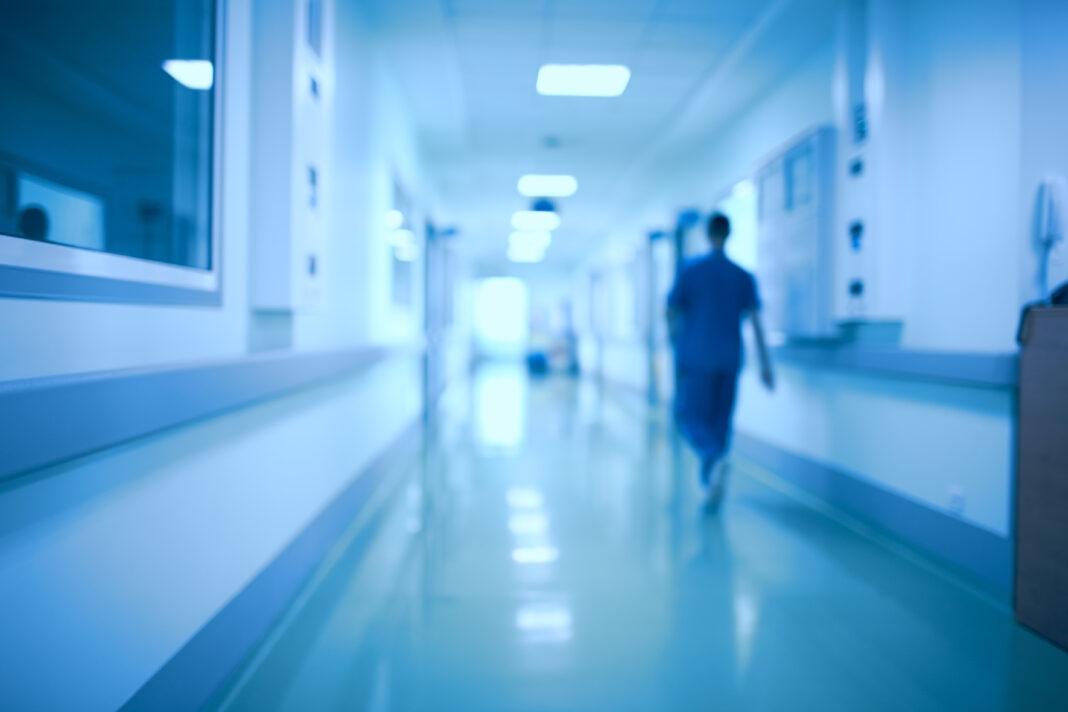 """""""По закону о допуске в реанимацию врачи оказались между молотом и наковальней"""""""