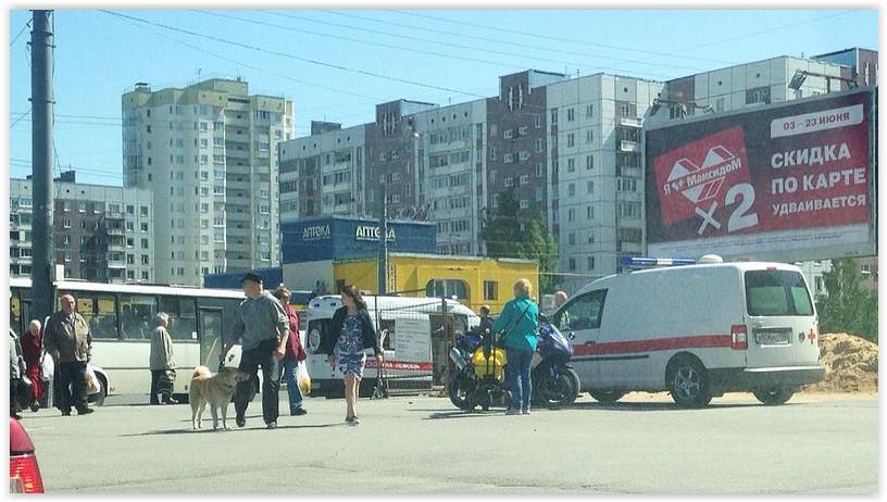 В Петербурге при ДТП со «скорой» пострадали два фельдшера