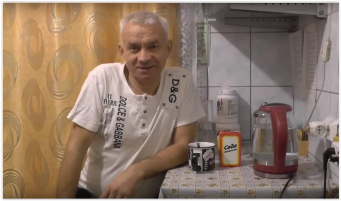 Дальнобойщик на пенсии стал натуропатом и завёл блог о лечении содой и перекисью