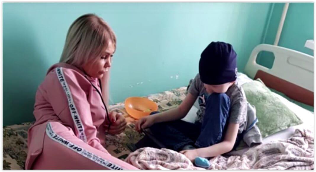 Красноярские родители обвинили докторов в том, что онкобольного ребёнка не приняли из-за праздников