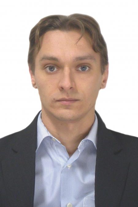 Коллеги Александра Шишлова, врача-психиатра из Астрахани, вышли на пикеты в его поддержку. Врачу предъявляют обвинение в халатности, повлекшей за собой смерть человека из-за выписки психбольного.