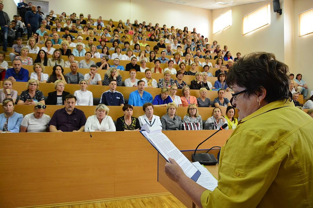 В Калининградском перинатальном центре прошло собрание в поддержку Элины Сушкевич и Елены Белой – главных фигуранток дела об убийстве недоношенного 700-граммового младенца. Об этом сообщила «Комсомольская правда» 5 июля.