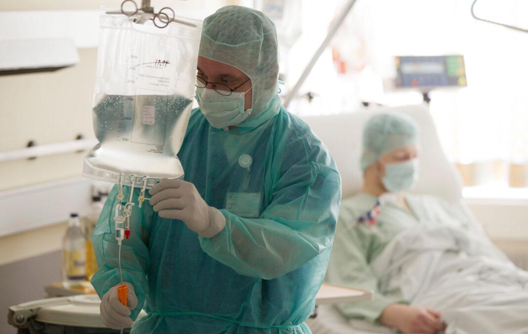 В Чите вылечили болевшего коронавирусом китайца