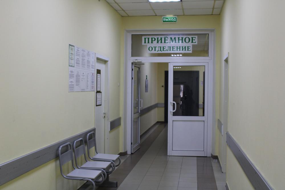 В Санкт-Петербурге мужчина угрожал ножом сотрудникам больницы