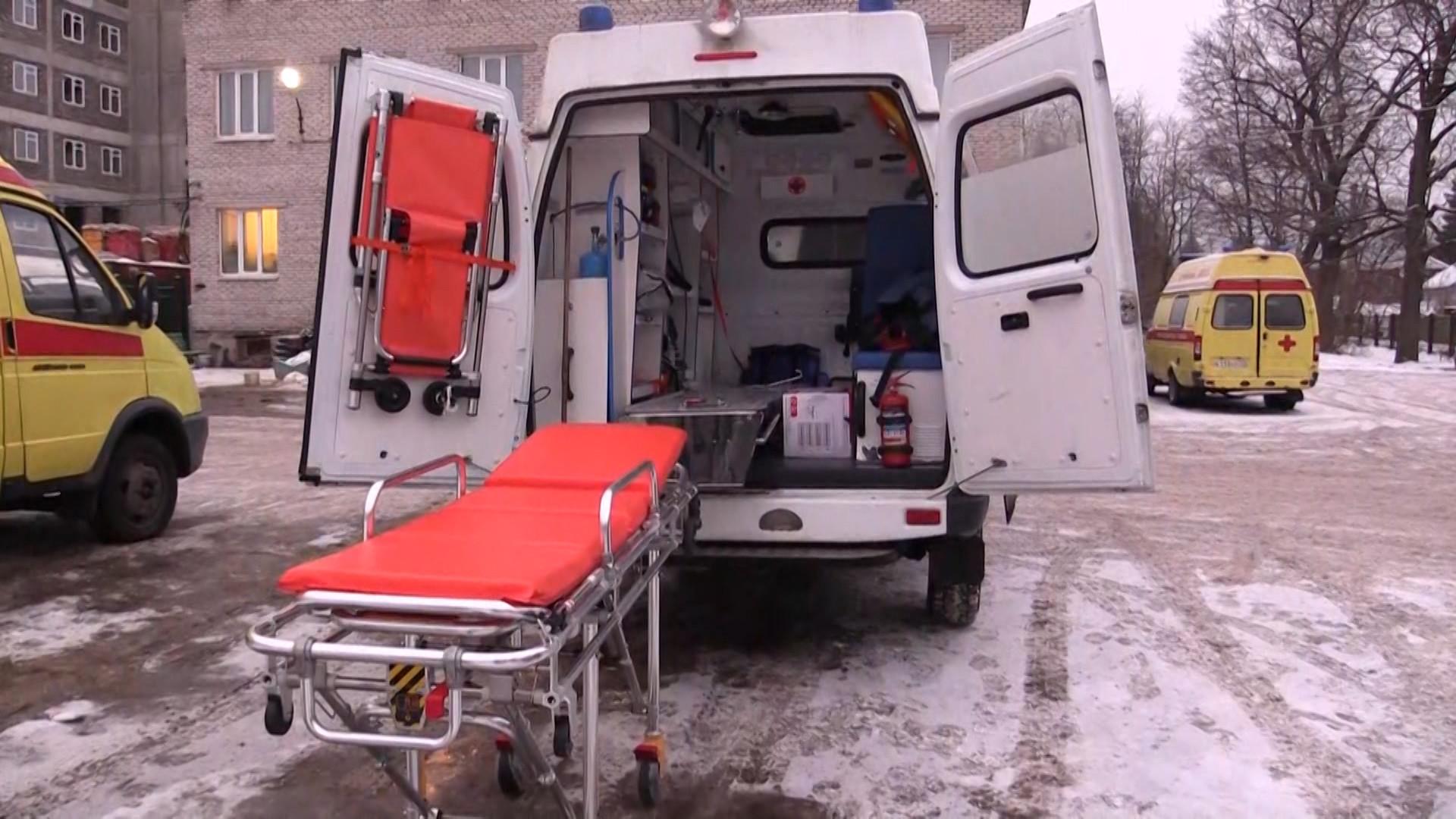 «Уронил с каталки»: Суд признал фельдшера виновным в смерти пациентки