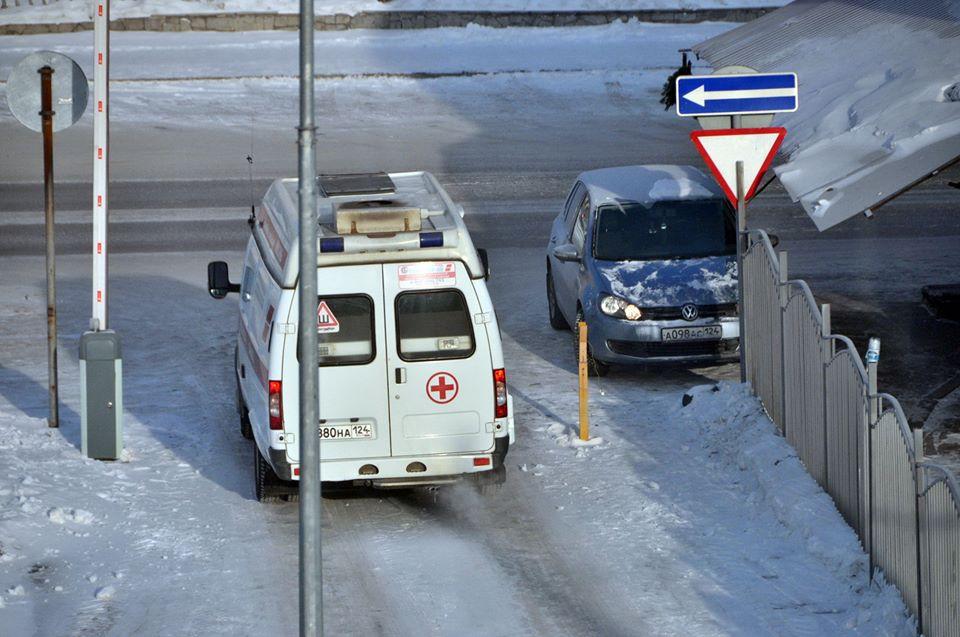 В Красноярске пациент ударил фельдшера в челюсть