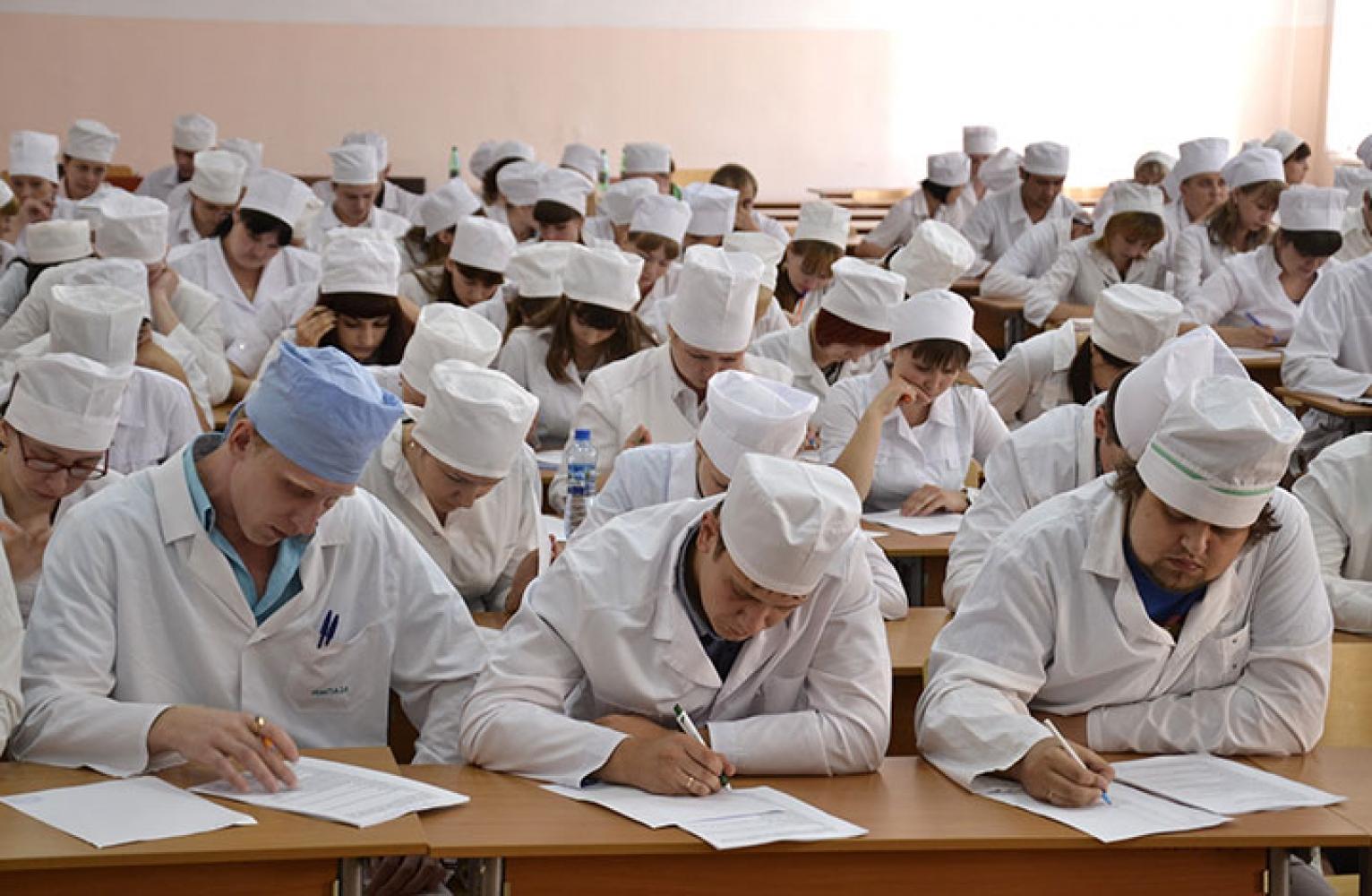 Минздрав привлекает студентов для помощи врачам в борьбе с коронавирусом 4