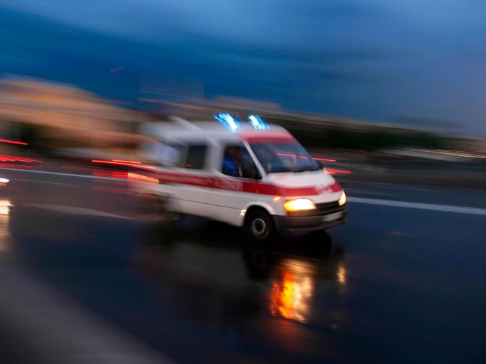 Сожитель пациентки напал на бригаду «скорой» за доезд в 12, а не 7 минут