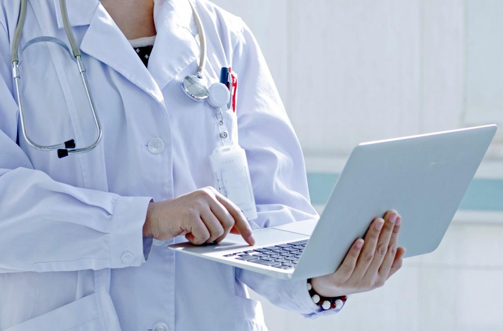 Правительство попросили разрешить врачам дистанционно ставить диагнозы