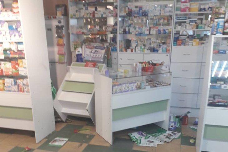 «Разбито лицо»: Фармацевт рассказала подробности погрома в аптеке