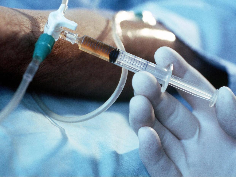 За введение эвтаназии в России выступили 58% врачей