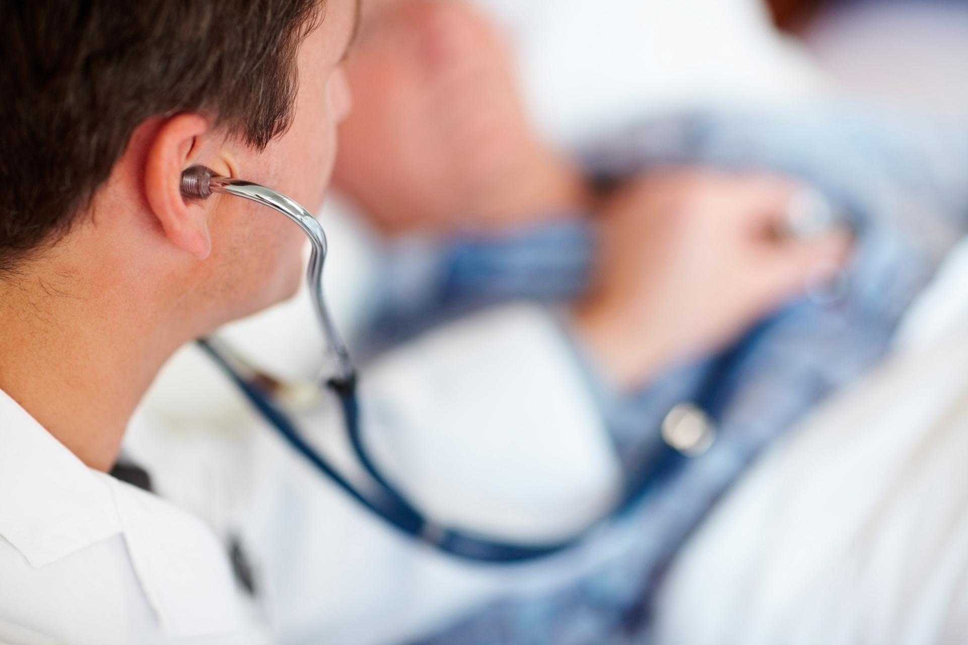 «У врача противоречащие задачи – лечить и зарабатывать»