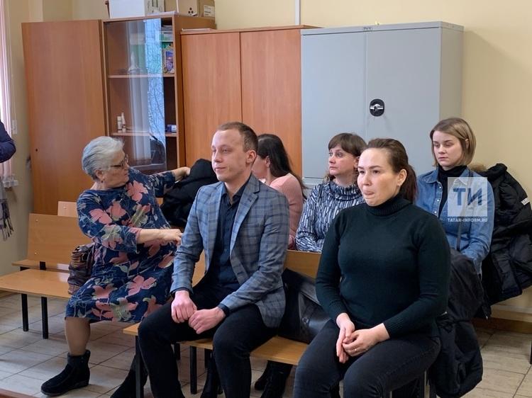 В Казани 65 медиков через суд требуют 27 млн рублей сверхурочных