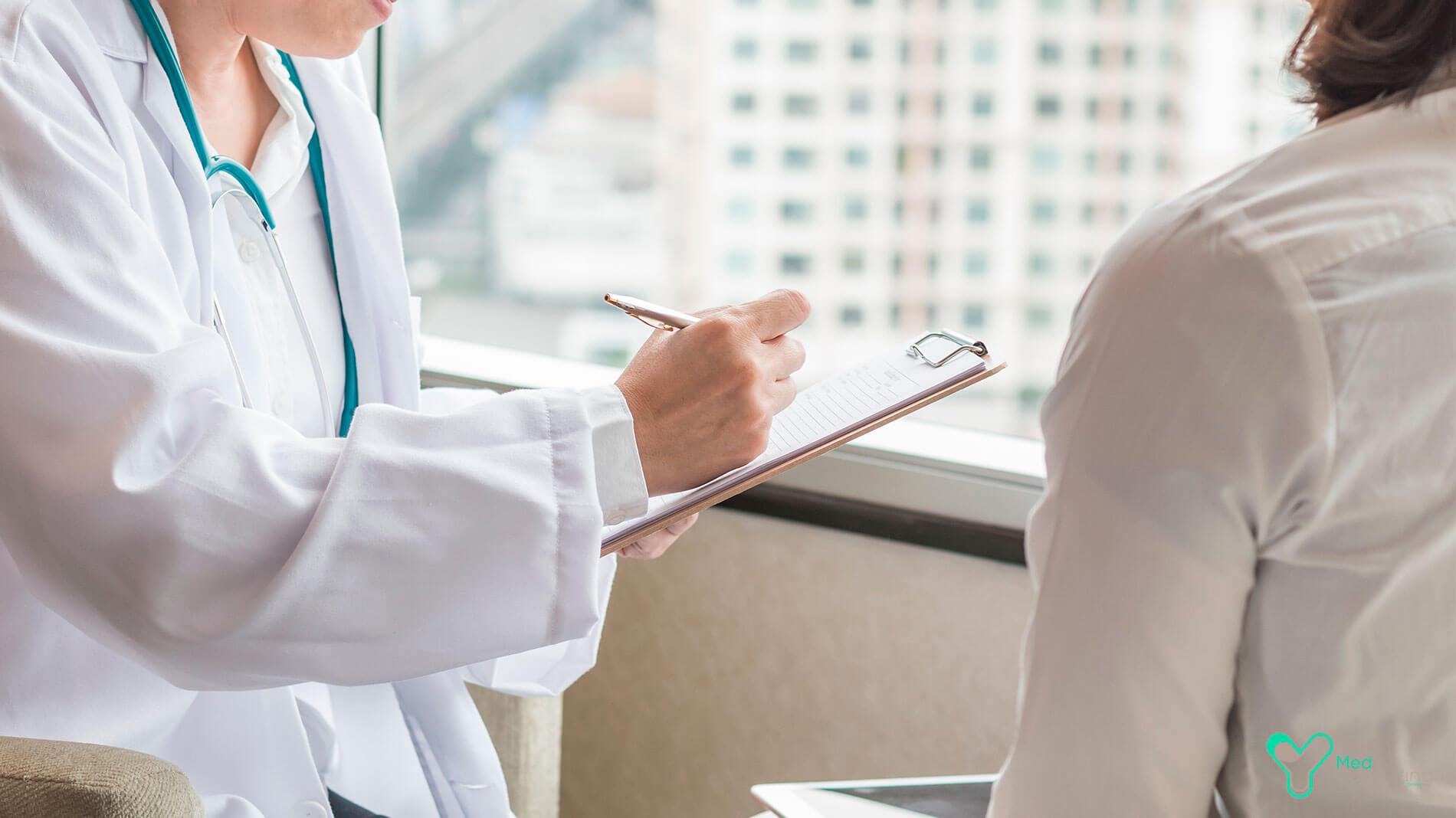 Частная клиника требует 450 млн рублей за сверхплановое лечение по ОМС