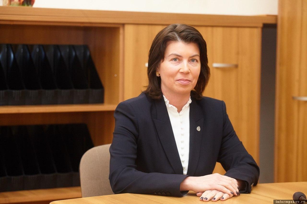 «Будем действовать жёстко»: Глава Комздрава ответила на жалобы медиков