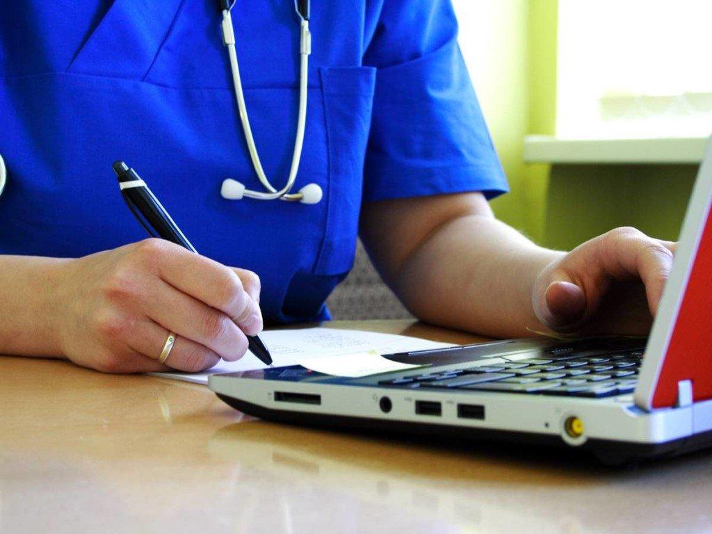 «Обучать врача – обязанность работодателя, но время на обучение не выделяют»